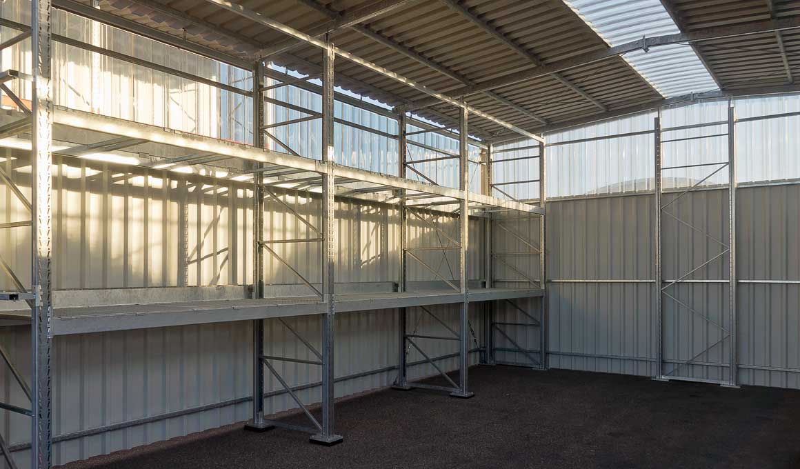 Heavy duty shelf warehouse