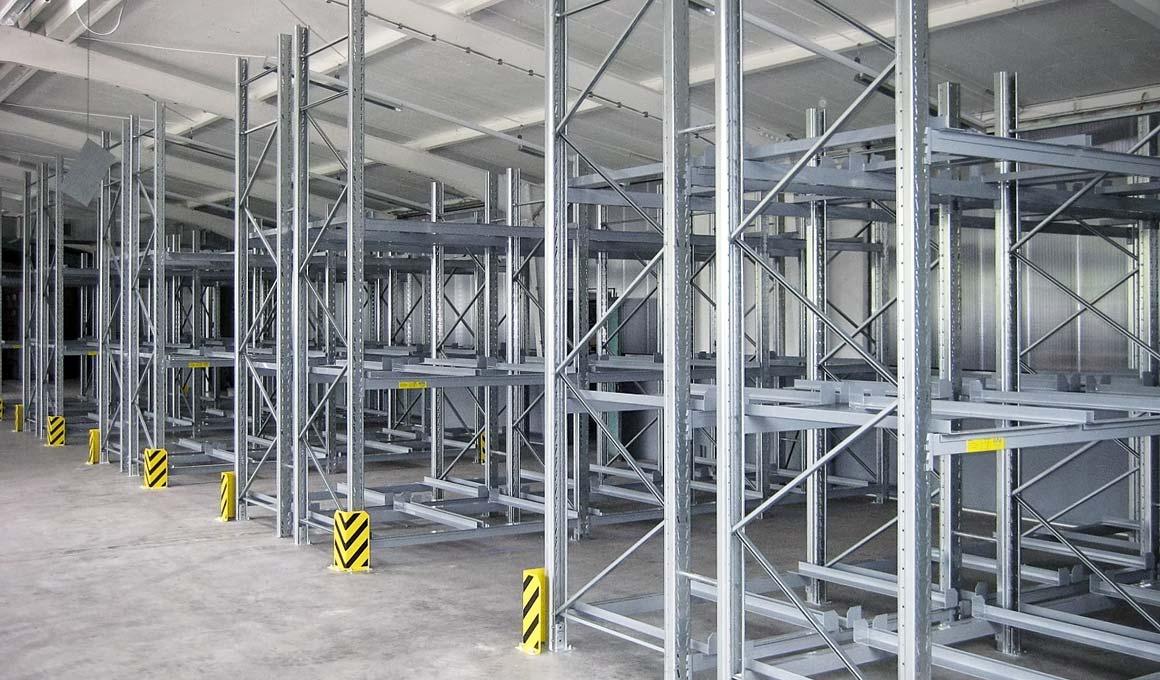 SL100 pallet storage at production facility